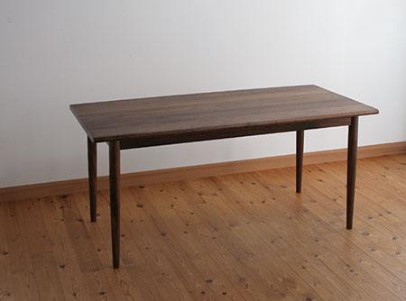 家具工房クラポ・T-46 丸脚の特注ダイニングテーブル 無垢材・オイルフィニッシュの注文家具