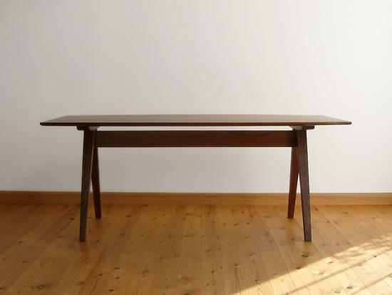 家具工房クラポ ダイニングテーブル5263 幕板のないスマートなフォルム